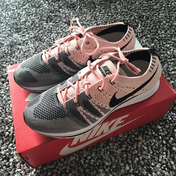 buy cheap aea90 5a0d6 👟NWT NIKE Flyknit Trainer Sunset Tint
